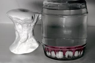 Zet je tanden er maar in